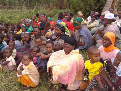 Families displaced by a complex, protracted crisis meet in Soyama, Ethiopia to discuss their options.